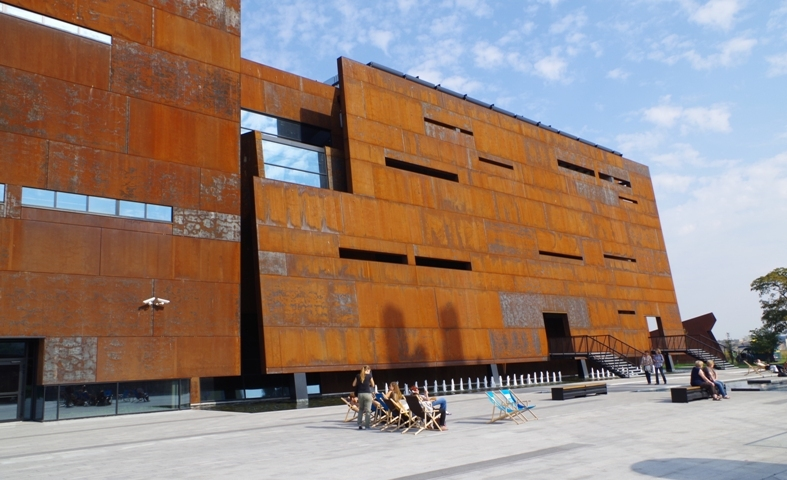 European Solidarity Centre, Gdansk. Gdansk tour – Hit The Road Travel