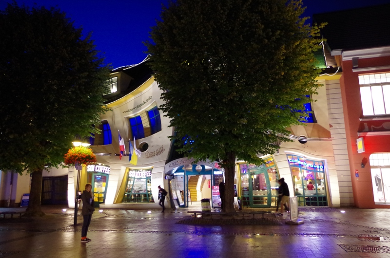 Crooked Little House in Sopot. Guided tour of Sopot – Hit The Road Travel