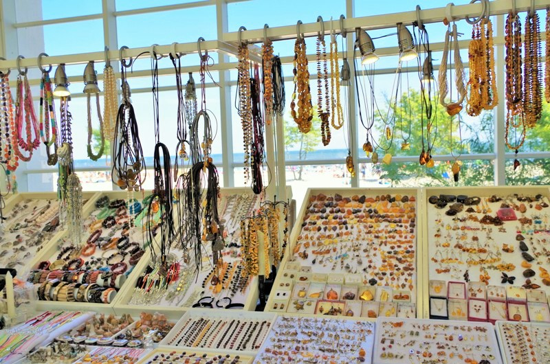 Amber shop in Sopot. Guided tour of Sopot – Hit The Road Travel