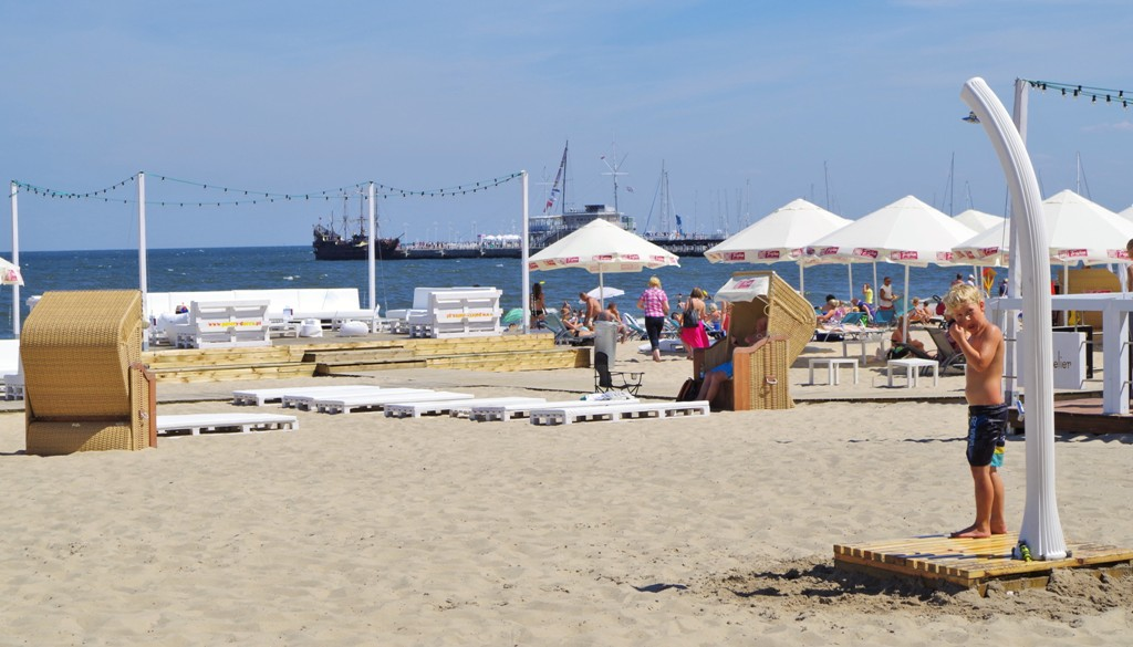Beach in Sopot. Guided tour of Sopot – Hit The Road Travel