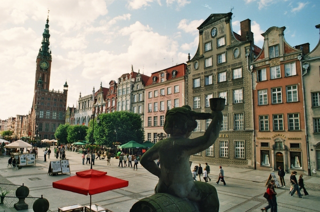 Royal Way in Gdansk. Gdansk tours by a nostalgic tram – Hit The Road Travel