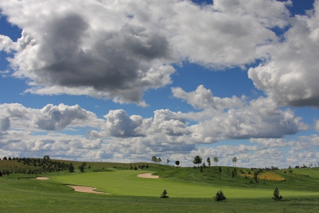 Golf course. Active travel to Poland, sport tours to Gdansk – Hit The Road Travel