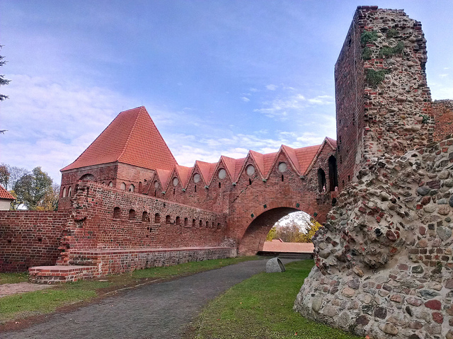 Ruins of the castle in Torun. Tour of Poland – Hit The Road Travel