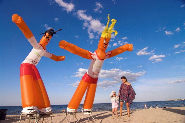The beach in Sopot. Tour for kids in Gdansk, school trips to Poland – Hit The Road Travel