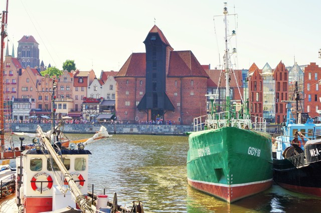 Gdansk Zuraw, the Motlawa river. Tours of Poland – Hit The Road Travel