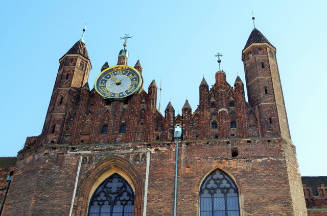 St. Mary's Church in Gdansk. Gdansk tours by a nostalgic tram – Hit The Road Travel