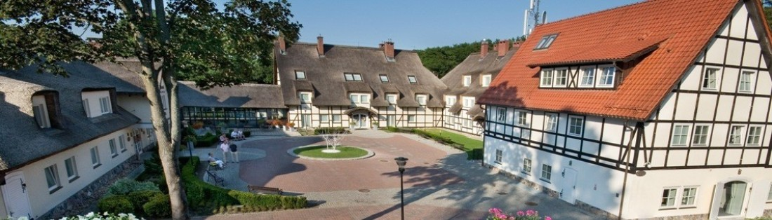 Manor house in Oliwa (Gdansk, Poland). Group tour package – Hit The Road Travel