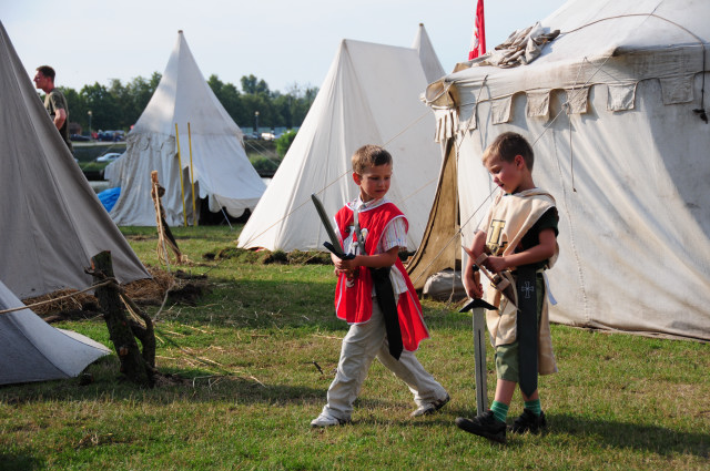Attractions for kids during Malbork Castle siege. Tour for kids in Gdansk, school trips to Poland – Hit The Road Travel