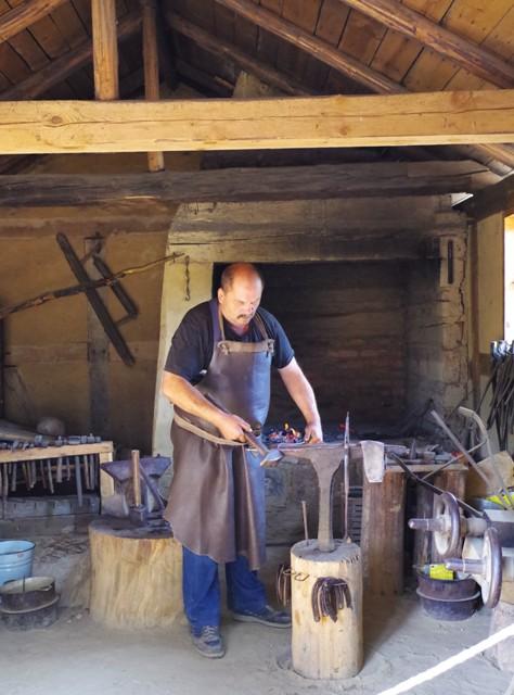 Kashubian Ethnographic Park in Wdzydze Kiszewskie. Folk tour – Hit The Road Travel
