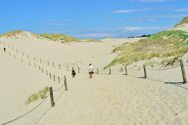 Slowinski National Park - wandering dunes. Folk tour – Hit The Road Travel