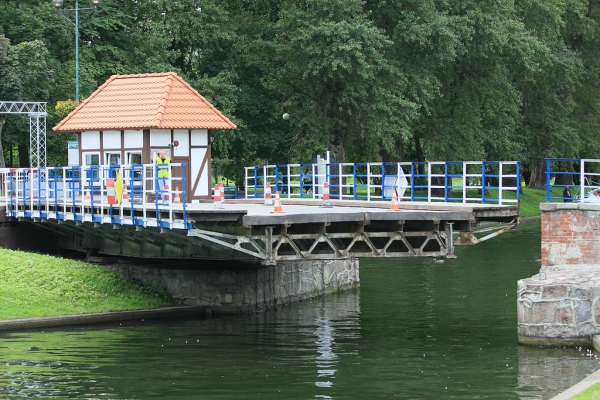 Swing bridge in Gizycko. Tours of Poland – Hit The Road Travel