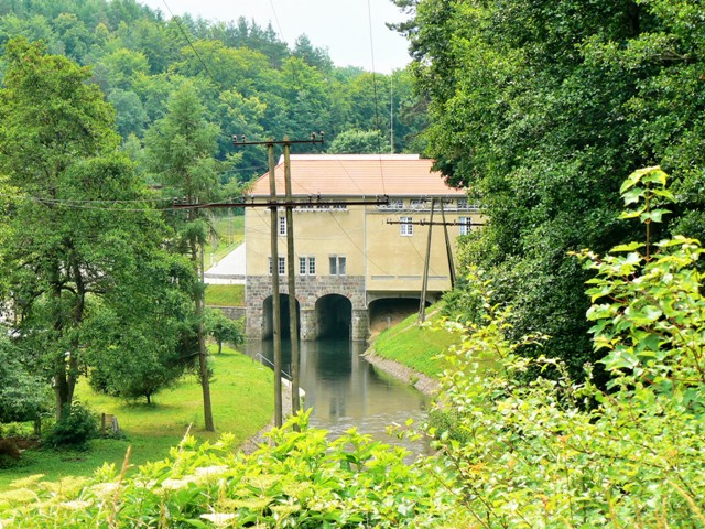 Hydroelectric power plant in Rutki. Heritage tours, engineering tour – Hit The Road Travel