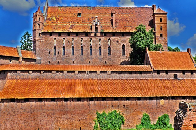 Malbork Castle. Amber tours – Hit The Road Travel