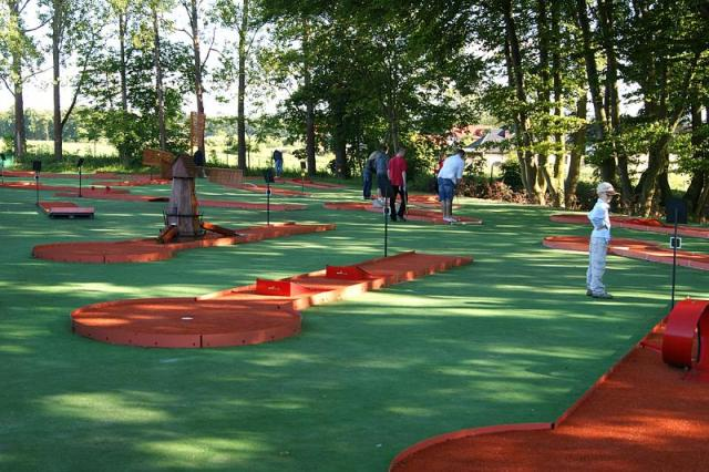 Miniature golf course. Golf Poland – Hit The Road Travel