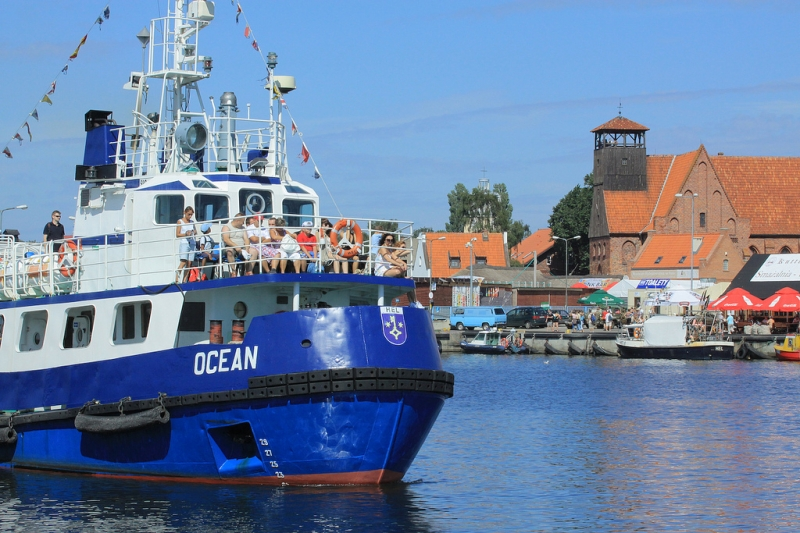 Fishing harbour in Hel. Folk tour – Hit The Road Travel