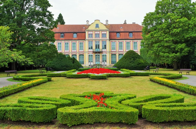 Abbot's Palace in Oliwa, Gdansk. Group tour package – Hit The Road Travel