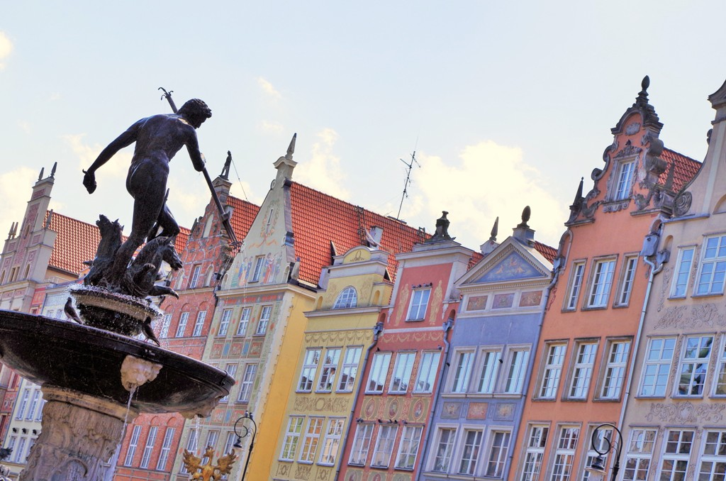 Neptune Fountain in Gdansk Main City. Tours of Gdansk – Hit The Road Travel