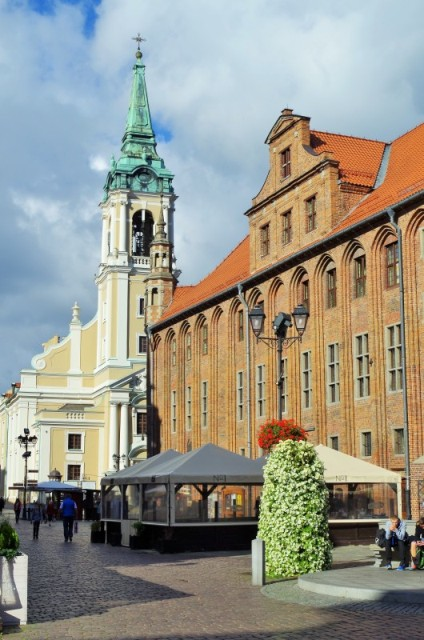 Old Town in Torun. Group tours to Poland – Hit The Road Travel