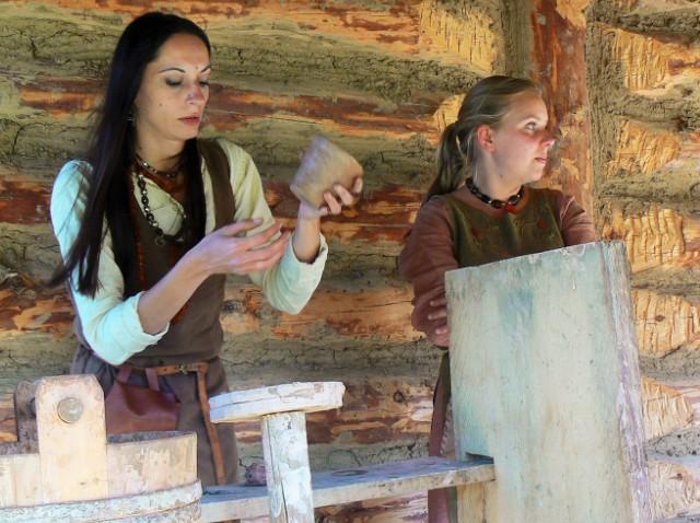 Workshops in 'Faktoria', Pruszcz Gdanski. Amber tours – Hit The Road Travel
