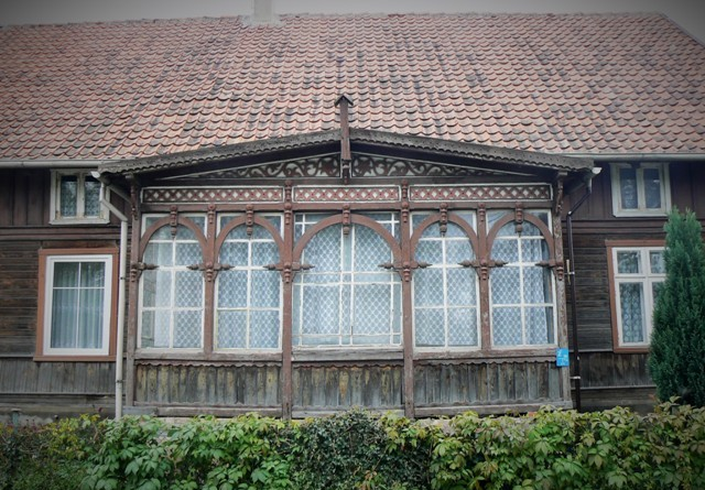 Wooden architecture in Zulawy. Pilgrimage to Poland – Hit The Road Travel