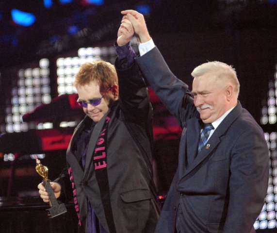 Lech Walesa and Elton John. Gdansk tour – Hit The Road Travel