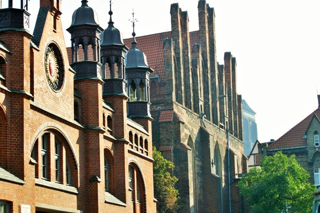 Gdansk, old market hall, St. Nicholas' Church in Gdansk. Tours of Poland – Hit The Road Travel