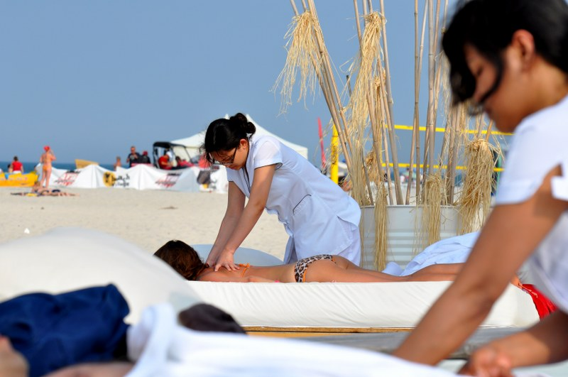 Bali massage by the beach in Jurata. Active travel to Poland, sport tours to Gdansk – Hit The Road Travel
