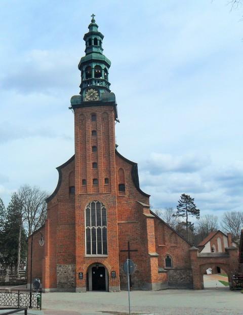 Collegiate church in Kartuzy. Pilgrimage to Poland – Hit The Road Travel