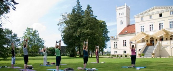 Yoga in Wieniawa Palace