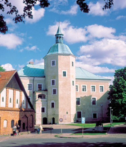 Ducal Castle, Witkacy Museum in Slupsk. Group travel tour – Hit The Road Travel