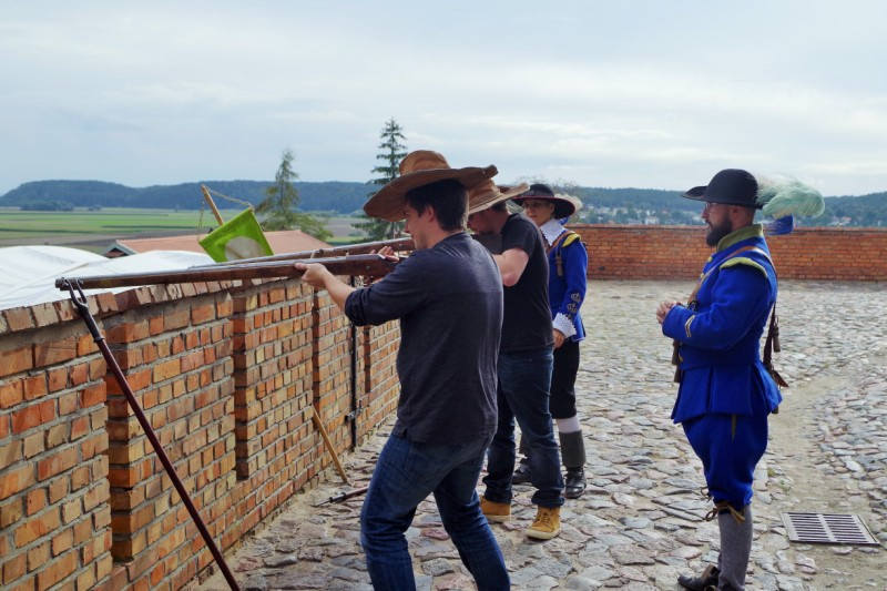 Knightly Team Building – Hit The Road Travel