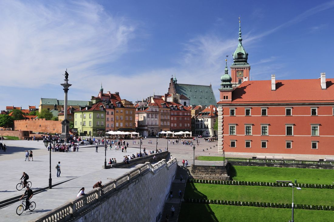The Castle Square in Warsaw. Warsaw tour – Hit The Road Travel