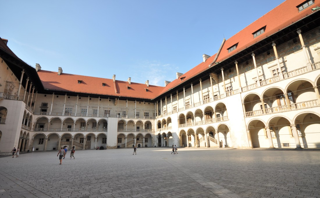 Royal Castle on the Wawel Hill - Trips to Cracow - Hit The Road Travel